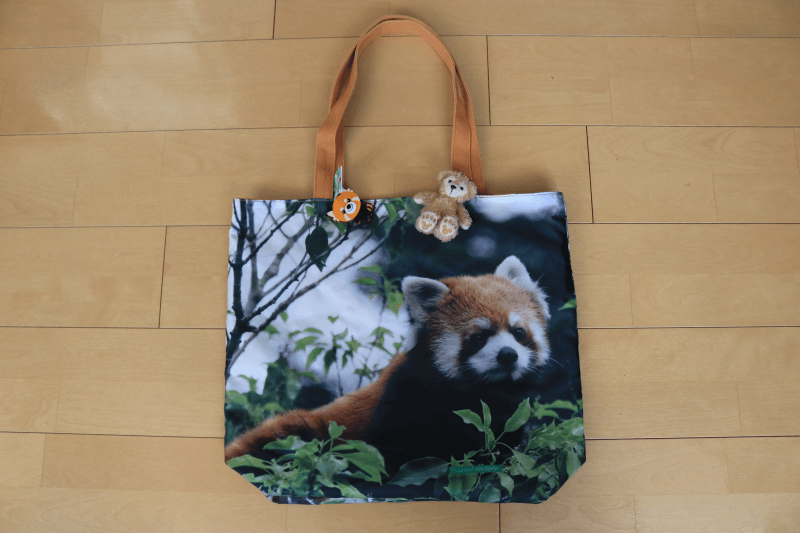 富士サファリパークのおみやげレッサーパンダのトートバッグ裏