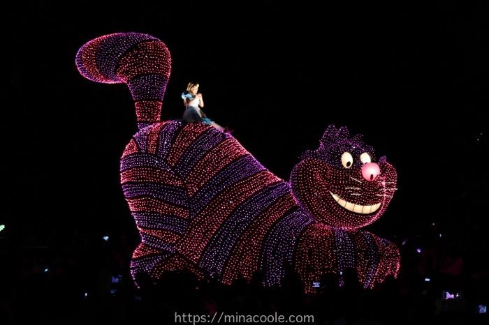 ディズニーランドのエレクトリカルパレードのアリス
