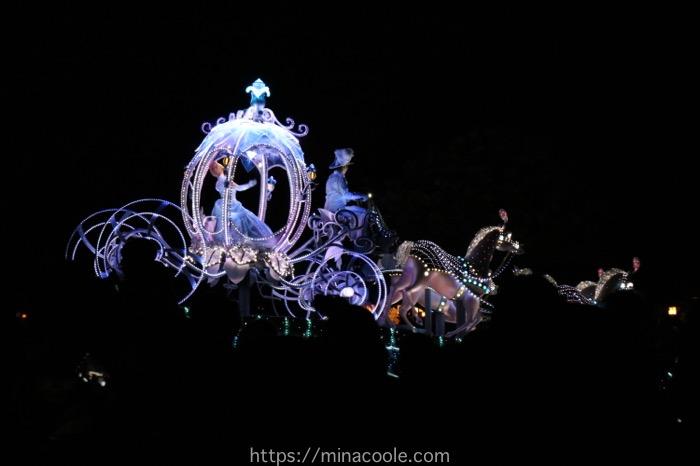 ディズニーランドのエレクトリカルパレードのシンデレラ
