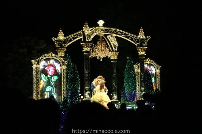 ディズニーランドのエレクトリカルパレードの美女と野獣