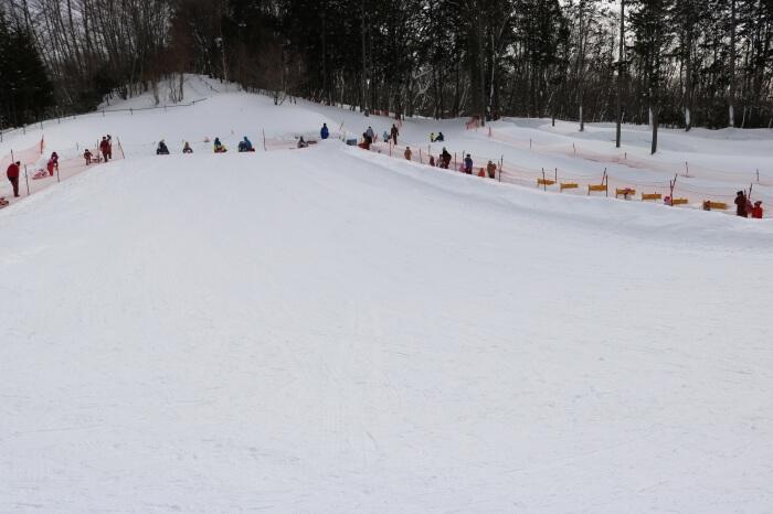 ハンターマウンテン塩原スキー場キッズパークのそり用ゲレンデの様子