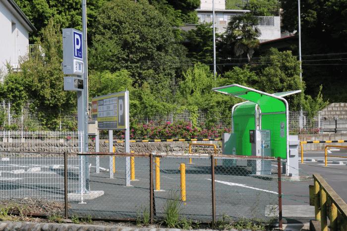 多摩動物公園に近い(株)京王ストア第3駐車場の様子