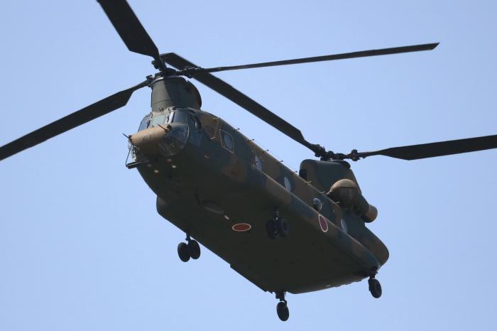 陸上自衛隊北宇都宮駐屯地開設記念イベントでヘリコプター(CH-47)地上滑走試乗