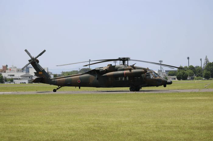 陸上自衛隊北宇都宮駐屯地開設記念イベントに展示された軍用ヘリコプター(UH-60JAブラックホーク)