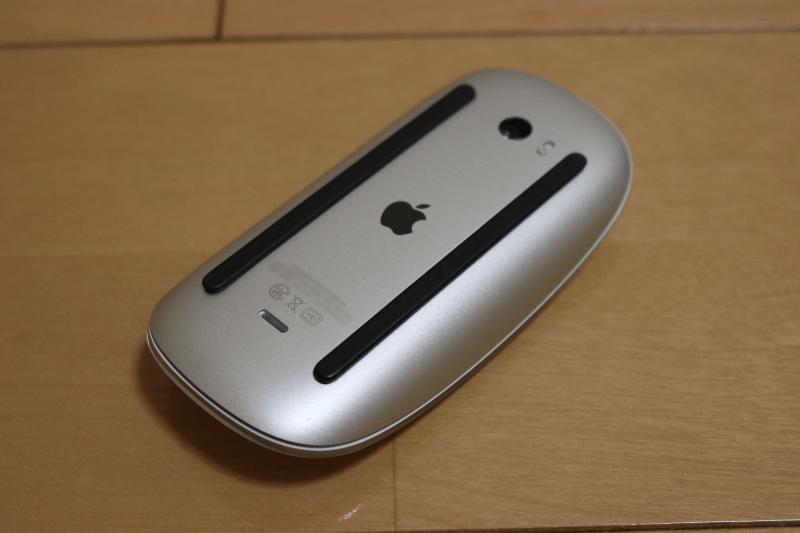 MacBook Pro 2017 と同時購入した Apple Magic Mouse2 の下側