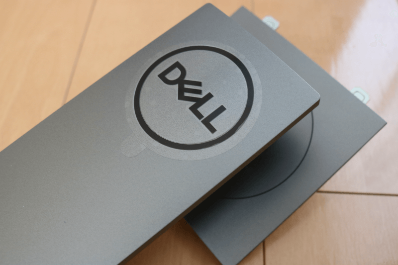 Dell デジタルハイエンドシリーズ U2720Q 27インチ4K HDR USB-C モニタ-:スタンドライザー DELLのロゴ