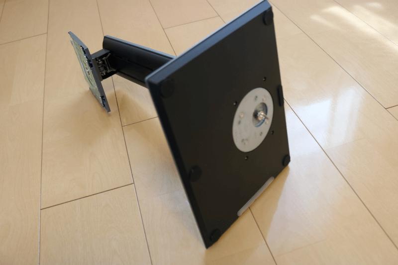 Dell デジタルハイエンドシリーズ U2720Q 27インチ4K HDR USB-C モニタ-:ケースの開封と組み立て-06