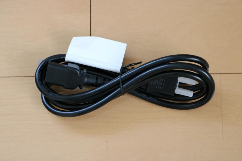 Dell デジタルハイエンドシリーズ U2720Q 27インチ4K HDR USB-C モニタ-:付属品 電源ケーブル